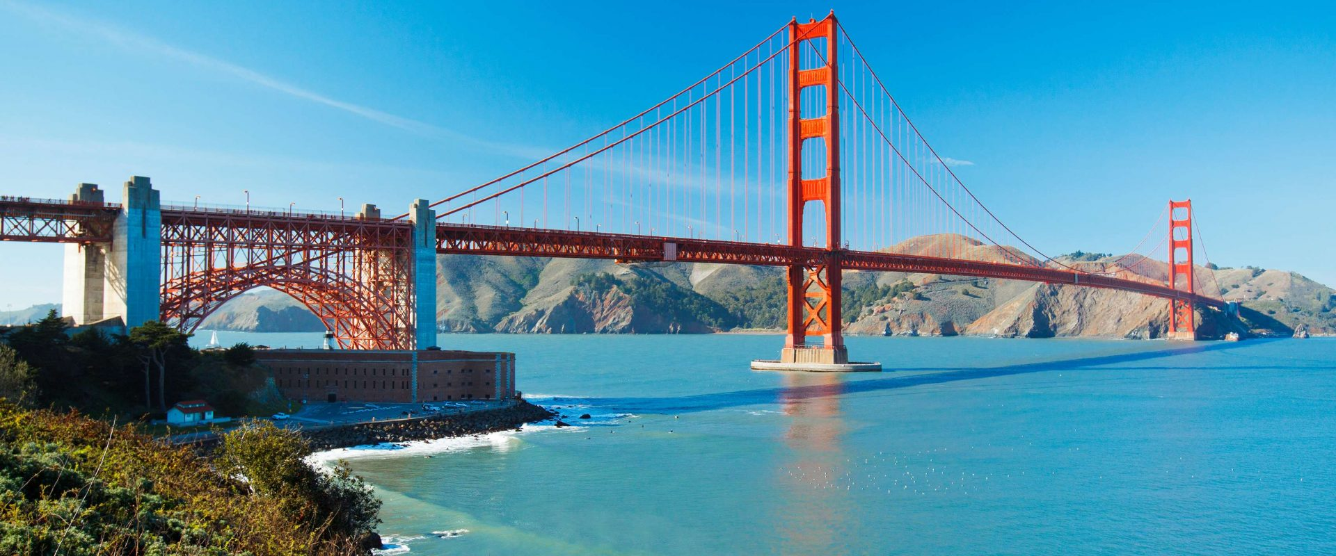 The Golden Gate Bridge in San Francisco with beautiful blue ocea